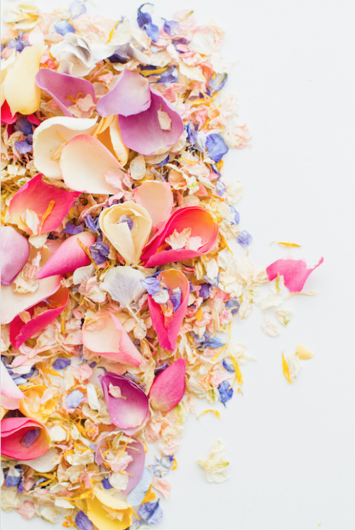Pick_and_Mix_confetti_from___1195_per_litre__credit___Bespoke_Bride__