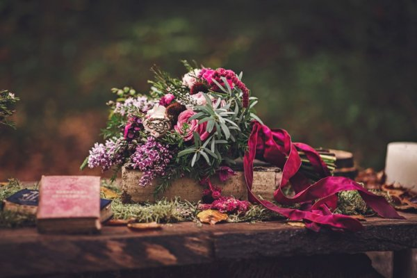 Bo_Chic_Woodland_shoot_table_flowers