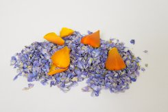 Frosted_blue_and_clemintine_natural_petal_confetti