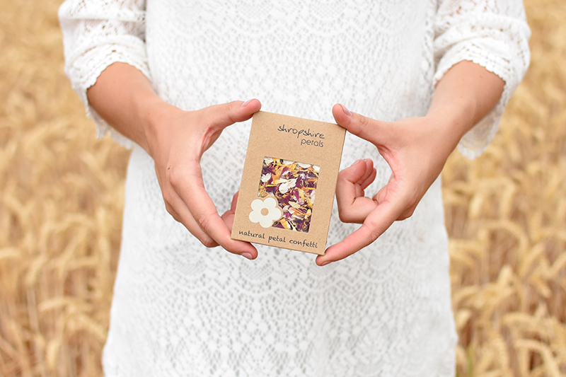 Shropshire_Petals_Kraft_Individual_Sachet_with_Autumn_Fall__01_