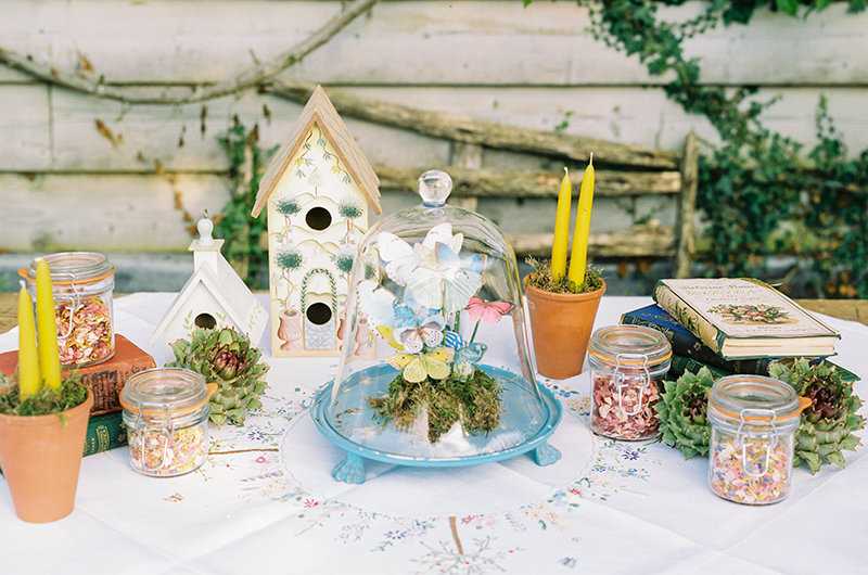 Styled_Shoot_at_Kates_Garden___The_ultimate_minimony_9