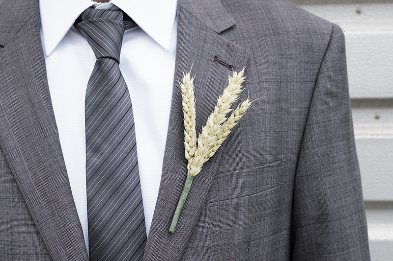 Natural_wheat_buttonhole