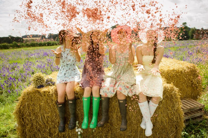 Have some fun with your bridesmaids and get a fab confetti shot!