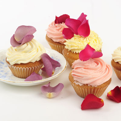 rose petals- the perfect decoration for cupcakes!
